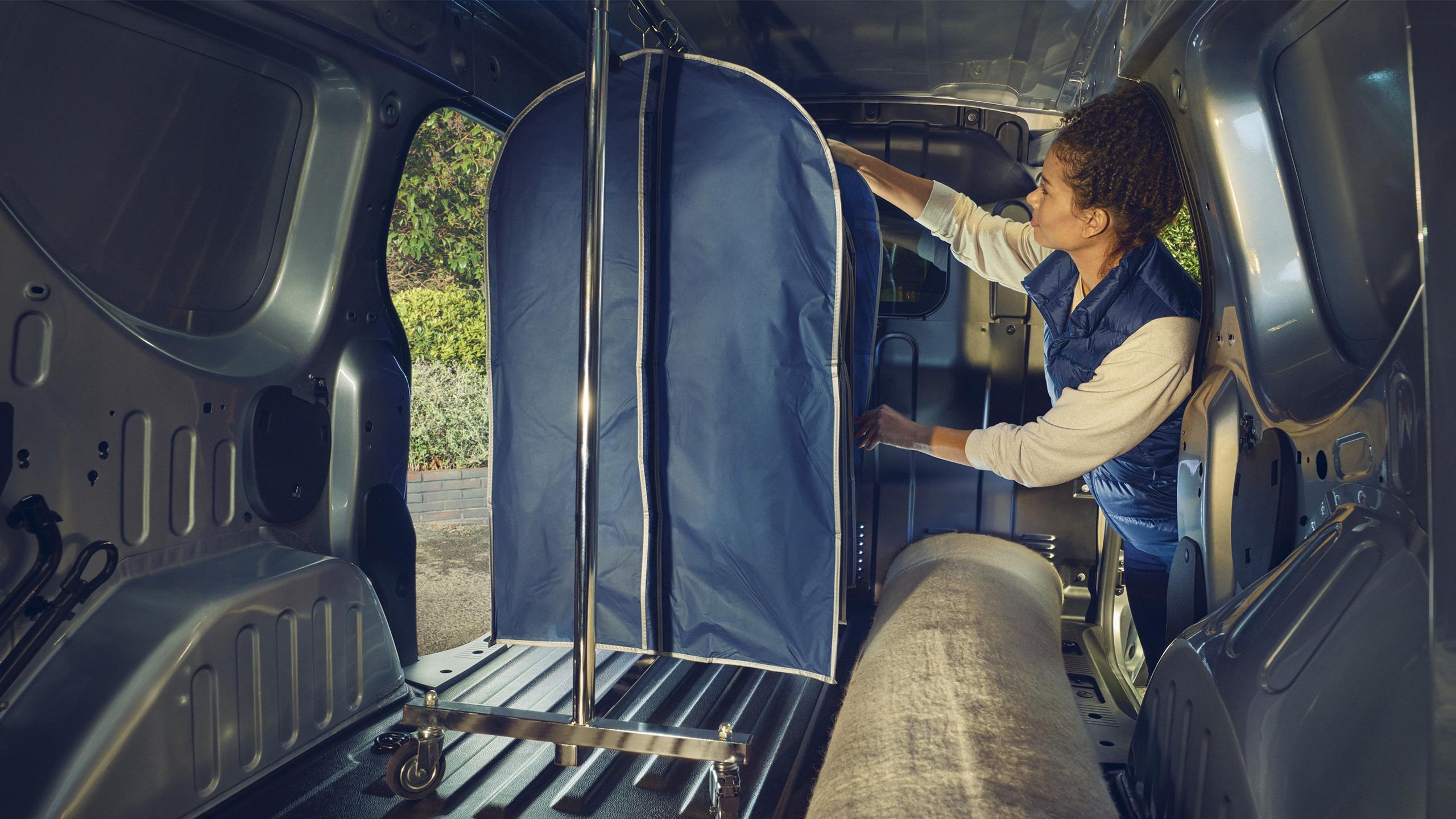 Renault Express Van Universal cargo compartment